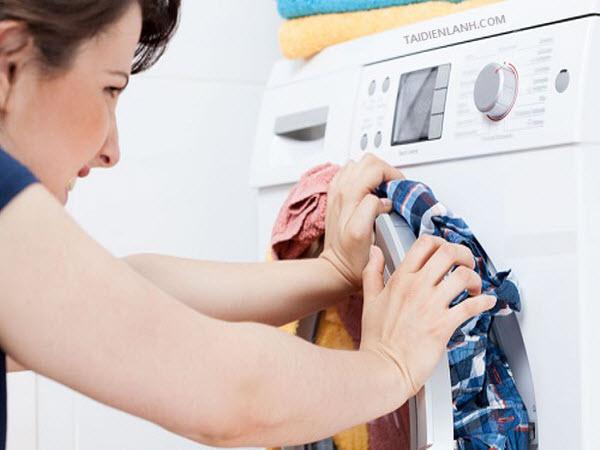 máy giặt rung lắc mạnh