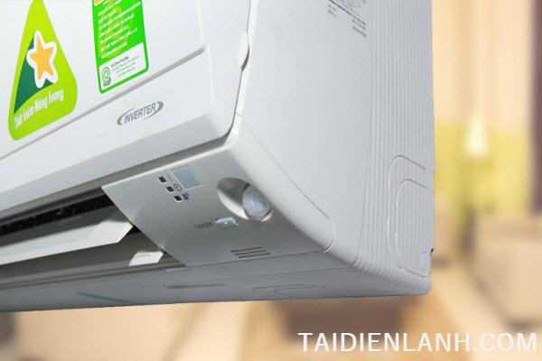 mở máy lạnh không cần remote