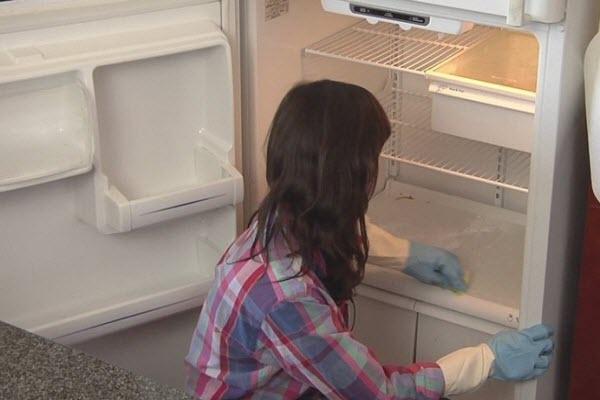tủ lạnh để lâu không dùng